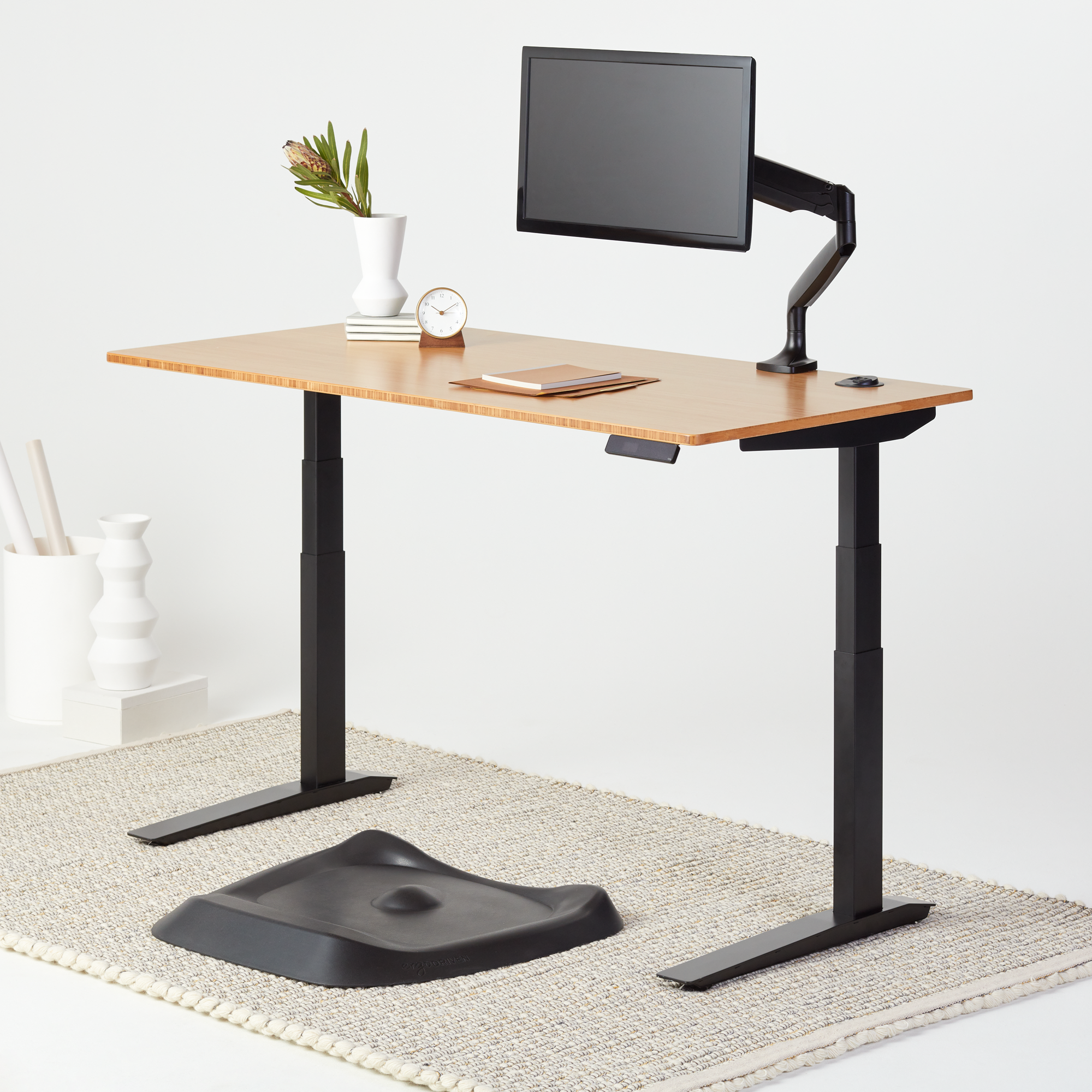Picture of: Fully Jarvis Bamboo Standing Desk The Review Smiths